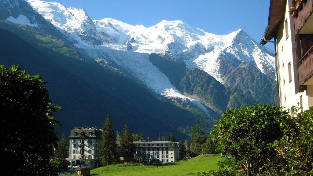ce5bb144 ... el 2019 viviendo la nieve de una forma diferente? ¿Quieres sorprender a  los tuyos con una escapada de invierno de ensueño? Unas vacaciones en los  Alpes ...