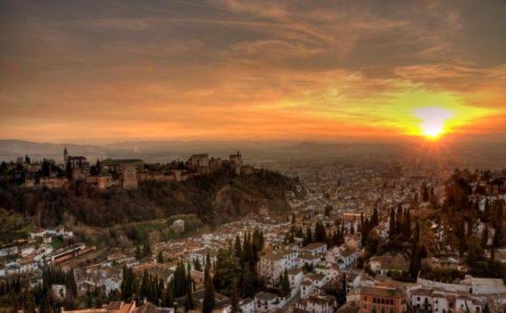 mejores-lugares-para-ver-el-atardecer-alhambra-muchosol