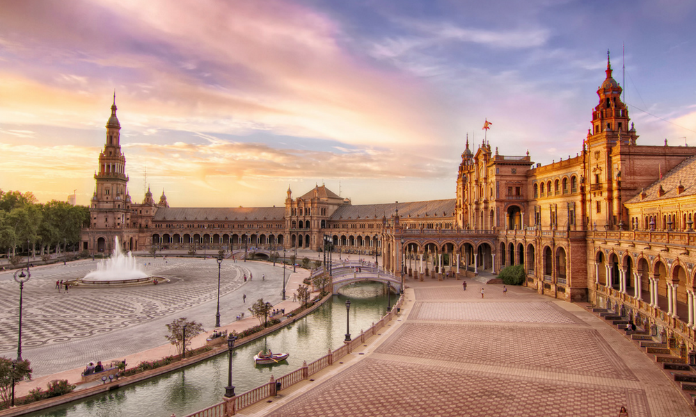 Fotos de plazas: las plazas más fotogénicas de España