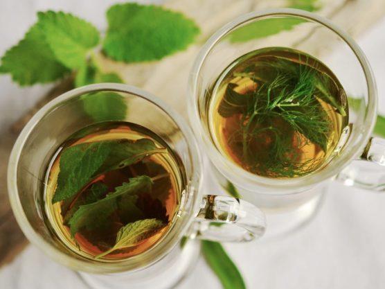 Preparar té es un plan para hacer en casa