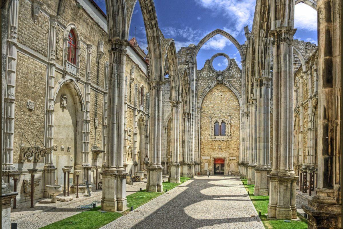 Iglesia-do-Carmo-Lisboa-Portugal
