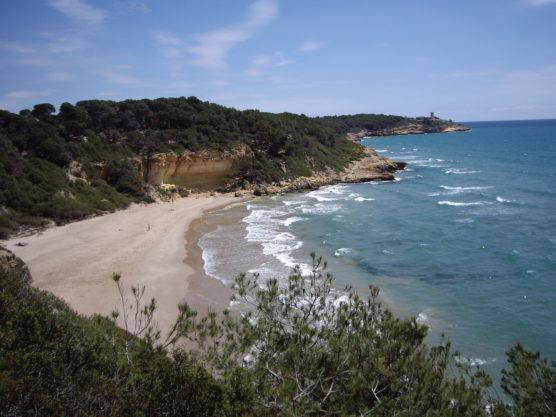 mejores-playas-de-la-Costa-Dorada-fonda-muchosol