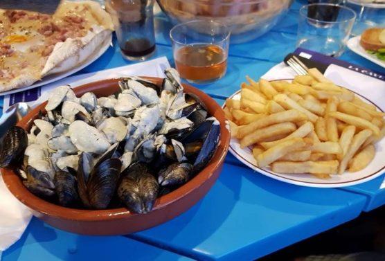Restaurants in Les Landes cave