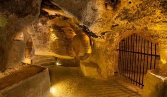 weinstraße in valencia höhlen