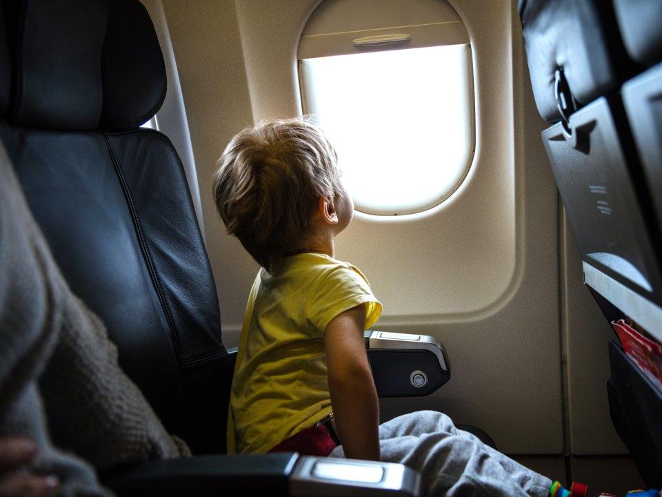 aerolíneas-para-viajar-con-niños-muchosol
