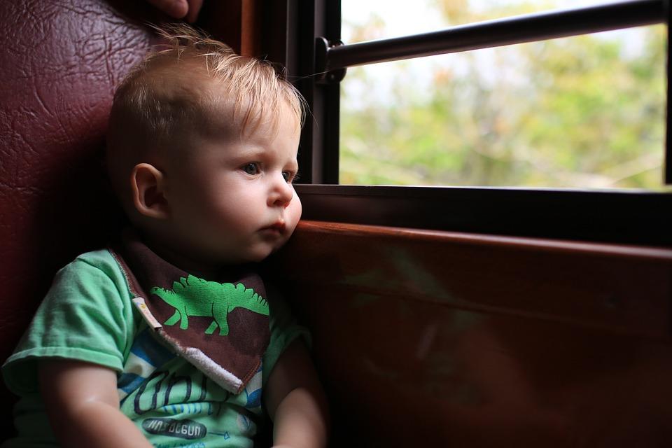 viajar-en-tren-con-niños-muchosol
