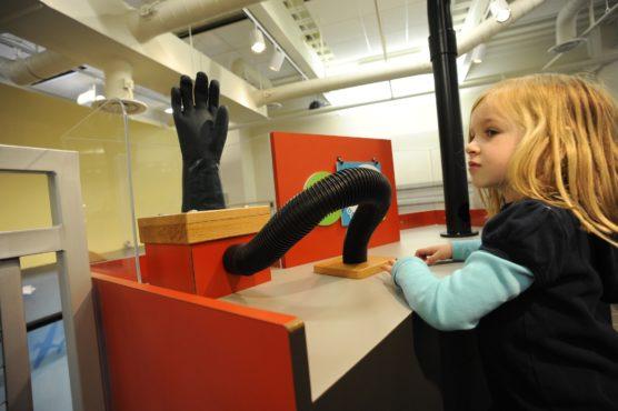 visitar-museos-con-ninos-infantil-muchosol