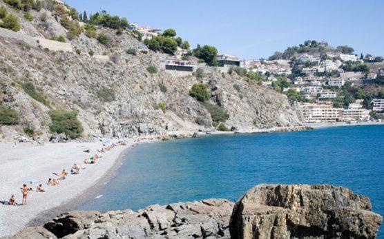 playas-nudistas-de-andalucia-muerto