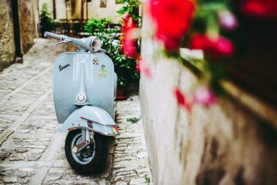como-moverse-en-sicilia-moto