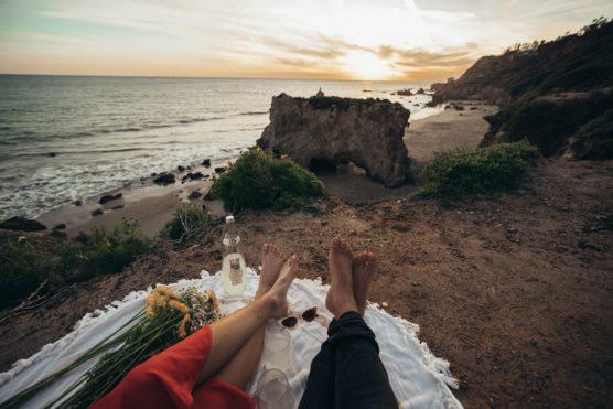 que-llevar-a-un-picnic-playa