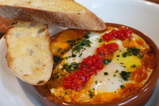 Que-comer-en-Sevilla-Huevos-en-la-flamenca